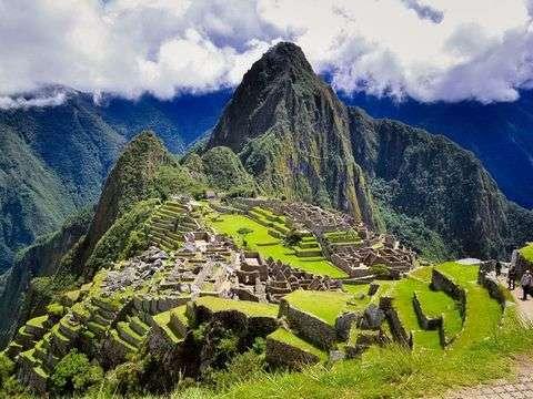 Cusco Clásico 4d/3n:Alojamiento 3 Estrellas -Tren Expedition