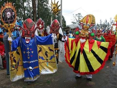 Carnavales en Cajamarca - Diversión, Color, Fiesta y Magia.